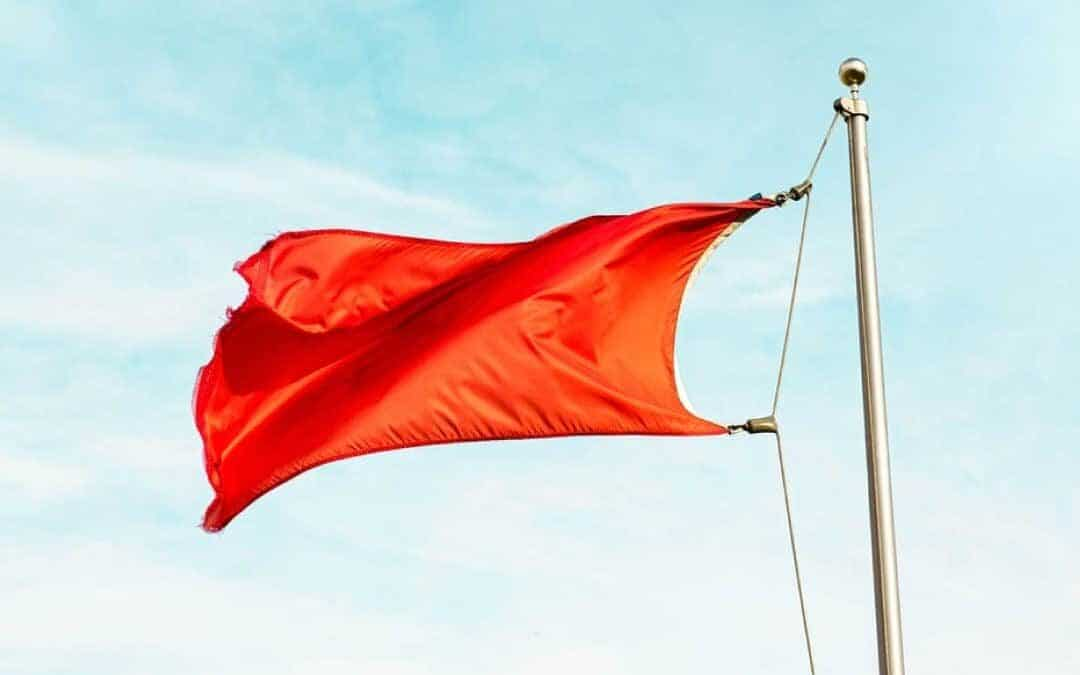 Rode vlaggen toxic relatie kenmerken ongezond verliefd